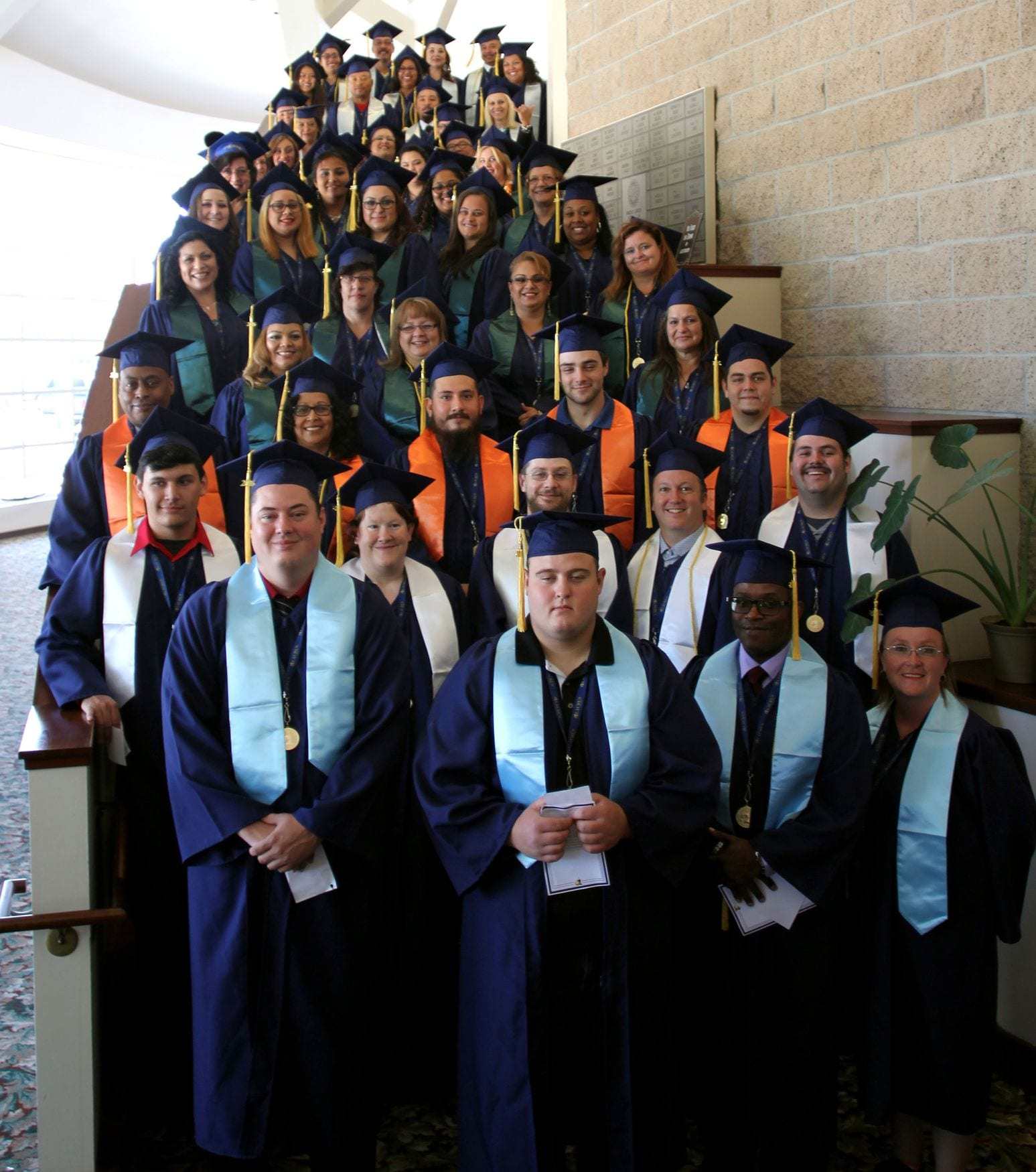 Laurus-College-Commencement---Class-of-2015-16